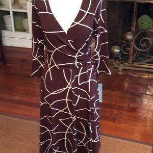 London Times  town/Ivory Dress NWT